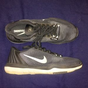 Nike black training sneakers sz 8